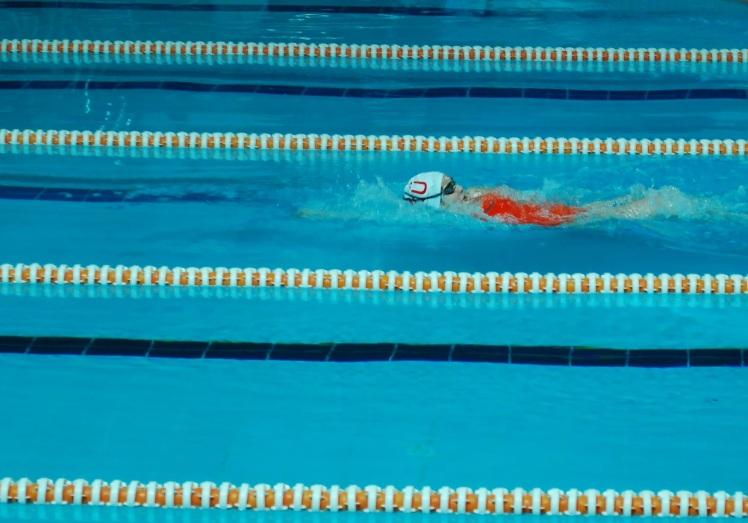 hande sırt üstü yüzme